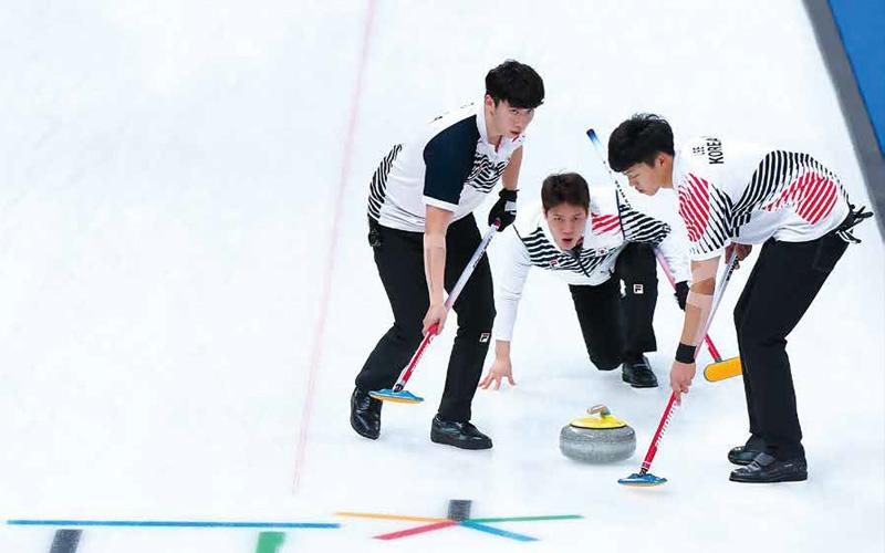 2018 평창 동계올림픽에 국가대표로 출전해 한국 컬링 역사에 큰 획을 그은 경북컬링팀.