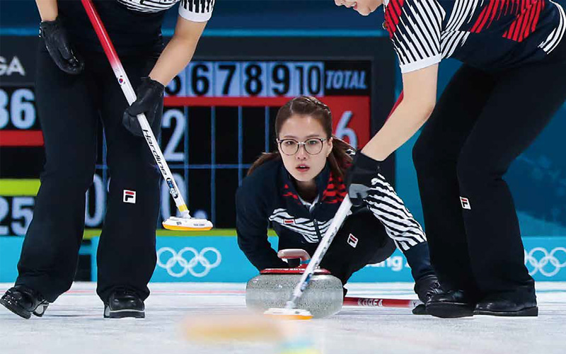 201803_story_magazine_curling_02
