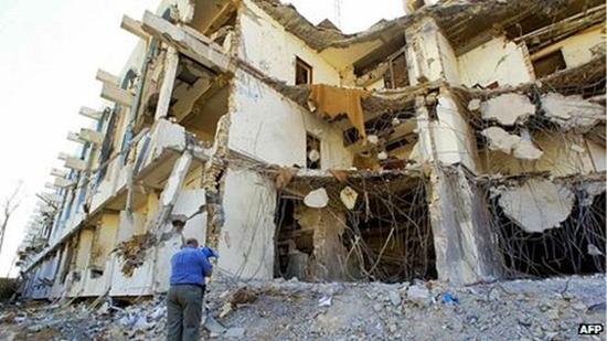 2003년 테러 발생 당시 현장의 모습 (사진출처: BBC News)