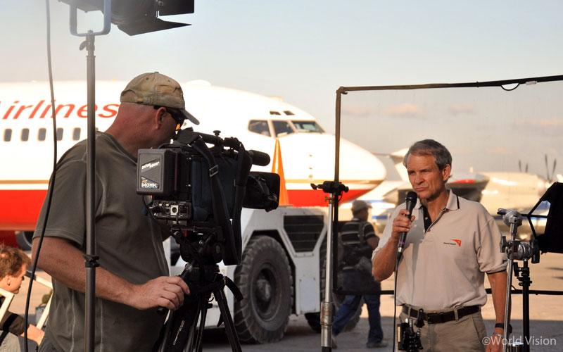 아이티 대지진 방생 당시, FOX News와의 인터뷰를 통해 피해의 심각성을 알리고 있는, 캐나다 월드비전의 데이비드(David)
