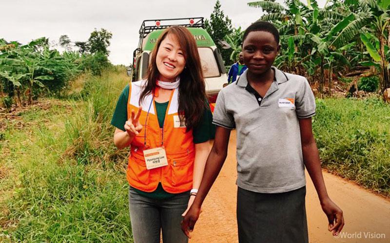 201709_story_visitUganda_05