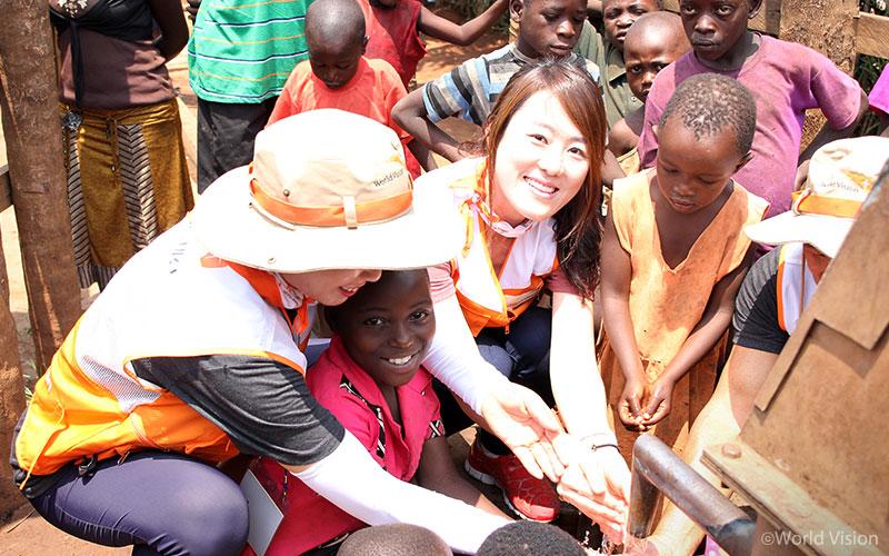 201709_story_visitUganda_10
