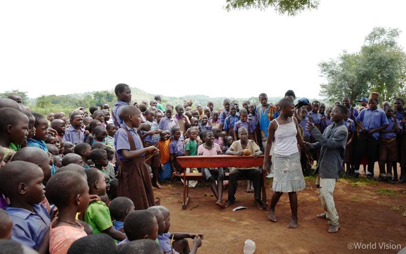 201709_story_visitUganda_11