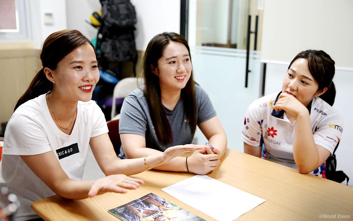 후원아동 이야기로 화기애애한 경북컬링팀 여자팀