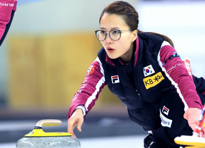 연합뉴스, 지난 2018년 1월, 여자대표팀은 월드컬링투어 그랜드슬램대회에서 동메달을 획득해 더욱 기대주로 주목받고 있다