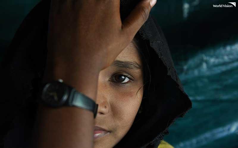 가족의 강요로 13살에 조혼을 한 방글라데시 소녀