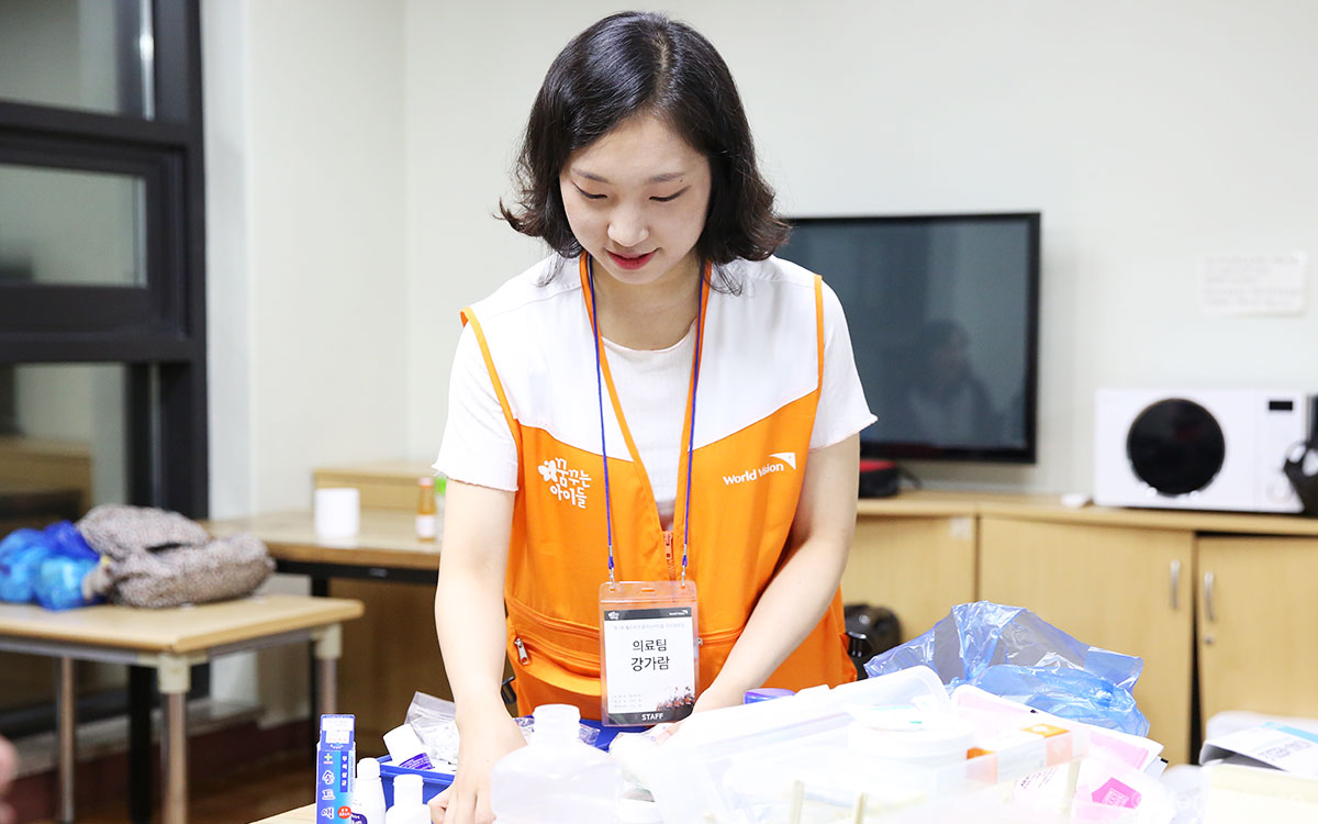 201808_story_magazine_volunteer03