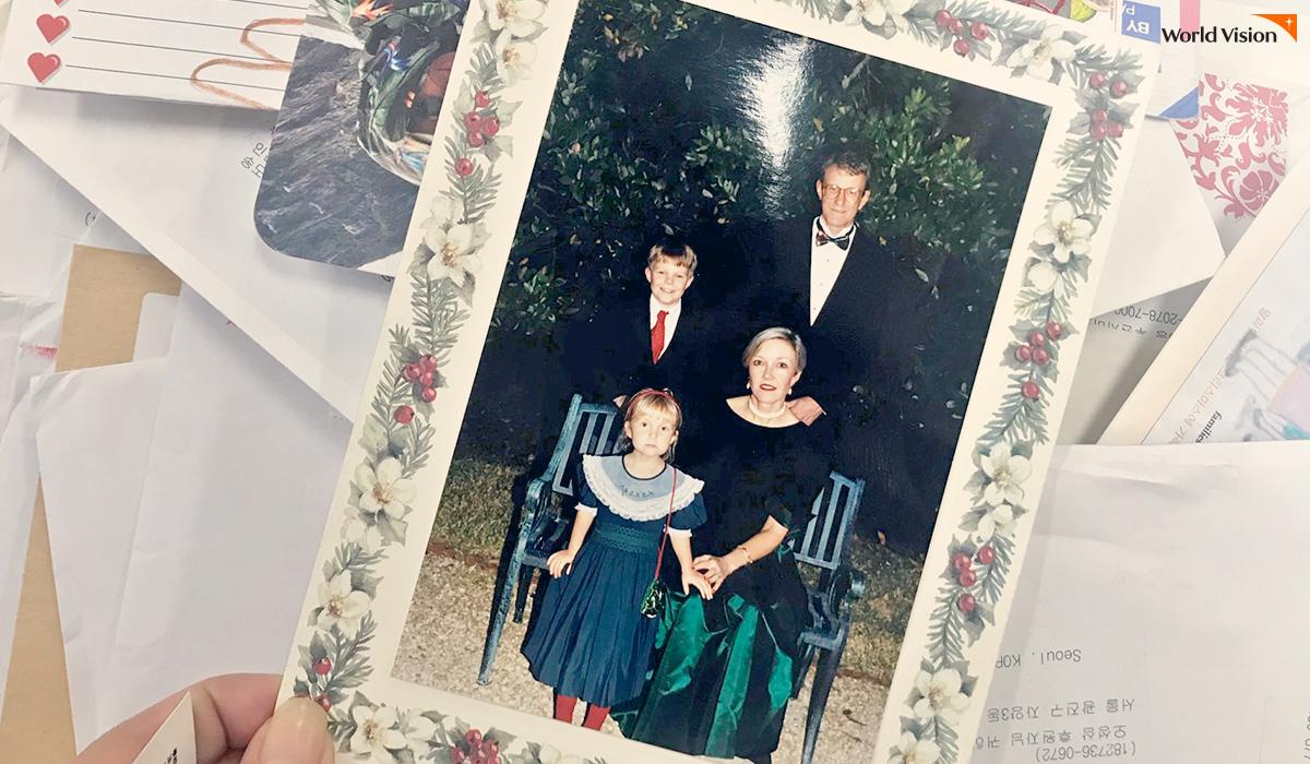 어린 시절의 오 교수를 응원해준, 미국에 사는 월드비전 후원자 가족의 사진