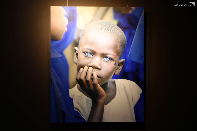 월드비전에 기증해 주신 이광기 홍보대사님의 사진