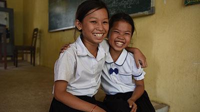 밝게 웃고있는 후원 아동들