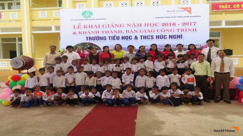 사랑의 빵 후원금으로 건축된 베트남 다크롱 지역 훅잉히 초등학교