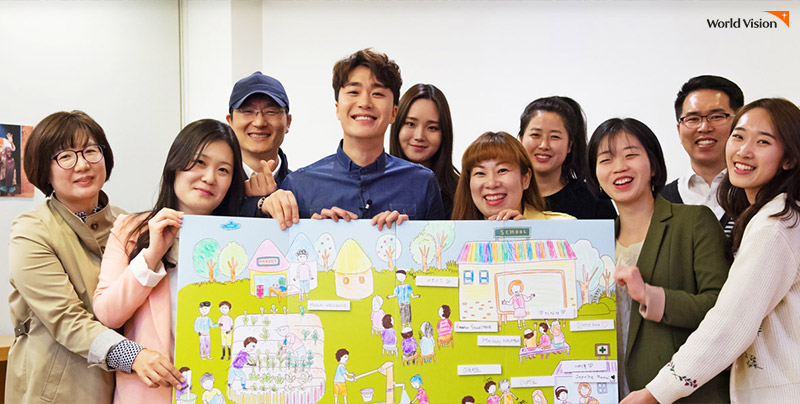 가수 조성모씨와 후원자님들 단체 사진