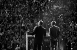 일본 도쿄 대중들 앞에서 연설하는 밥 피어스와 한경직 목사, 1961