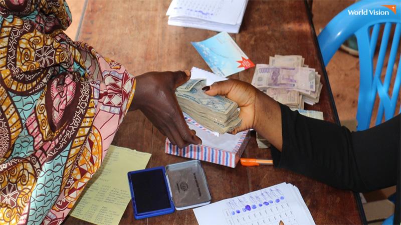 아프리카 재난지원금을 현금으로 지급