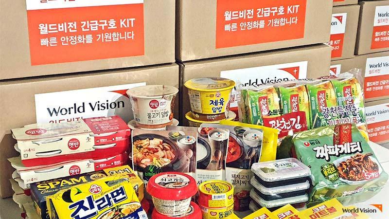 월드비전에서 지원하는 코로나19 식료품 키트 사진